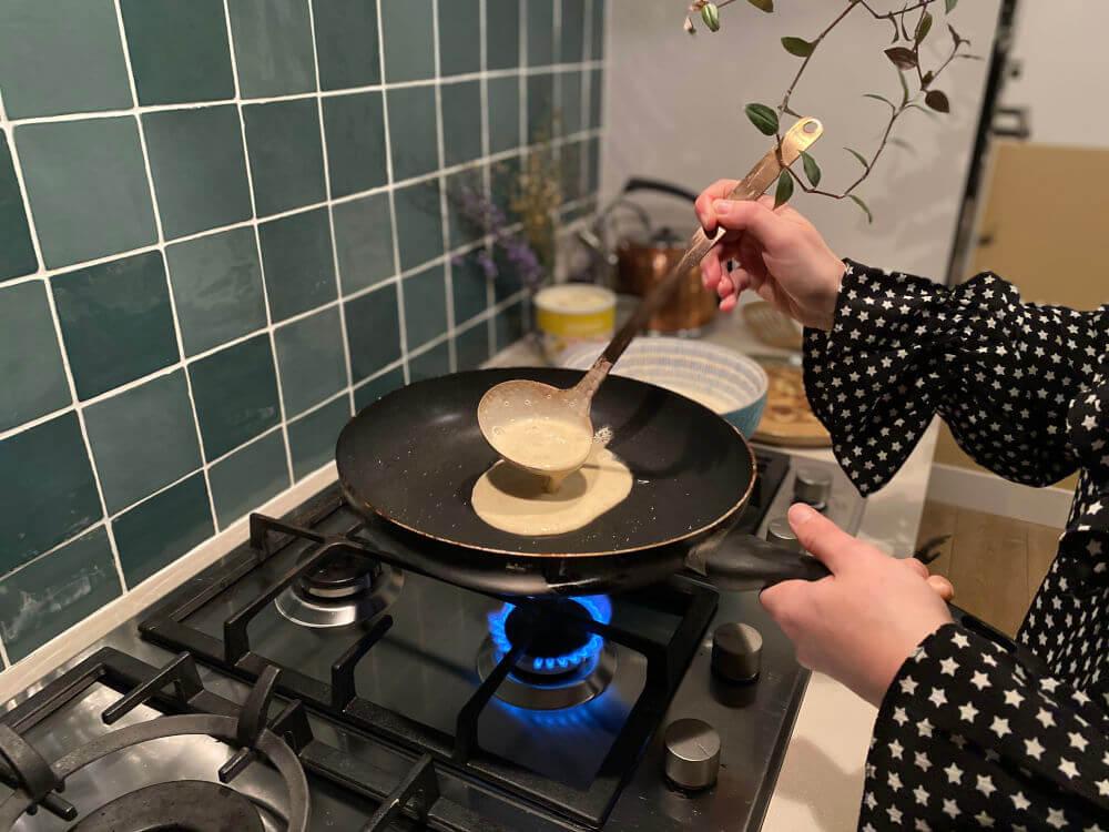 Pannenkoeken bakken